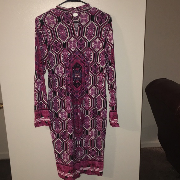 VENUS Dresses & Skirts - Gorgeous stained glass long sleeve dress